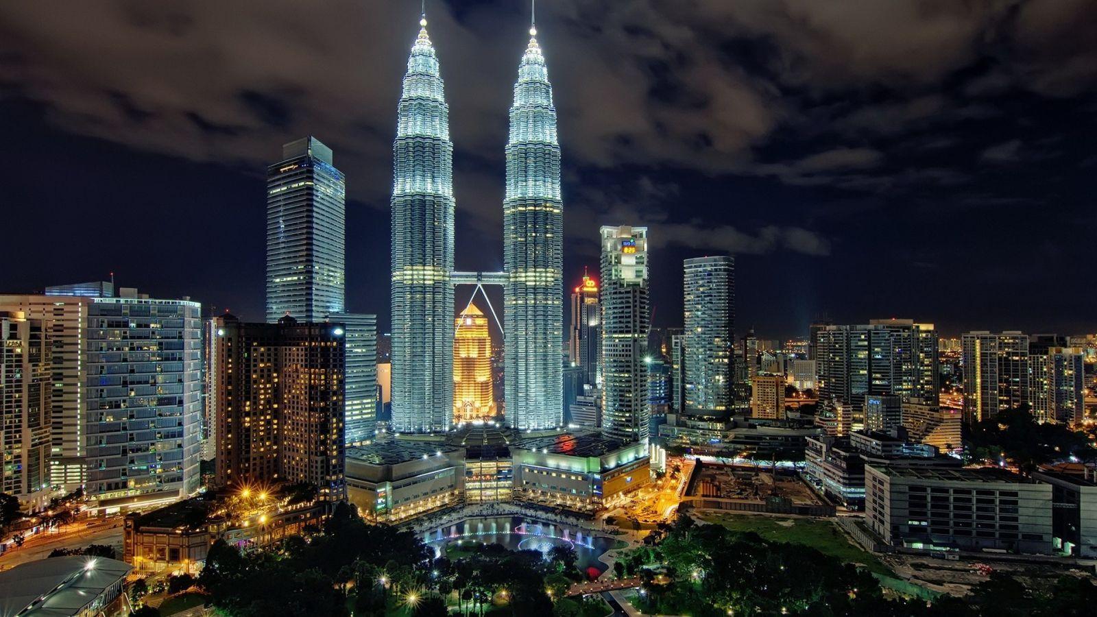 Tòa Tháp Đôi (Twin Towers) du lịch Malaysia