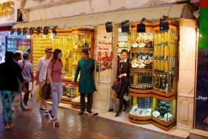 Cùng đi du lịch Dubai xem vàng và mua vàng