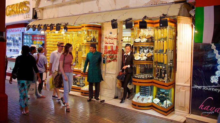 Xem vàng và mua vàng tại Chợ vàng Gold Souk, Dubai