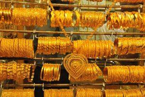 Tham quan chợ vàng Gold Souk khi đi du lịch Dubai