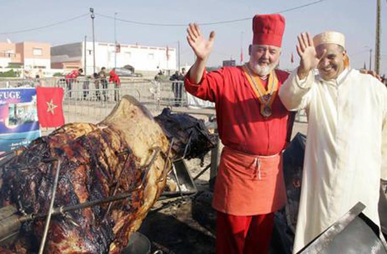 Lạc đà nhồi thịt - Khám phá du lịch Dubai