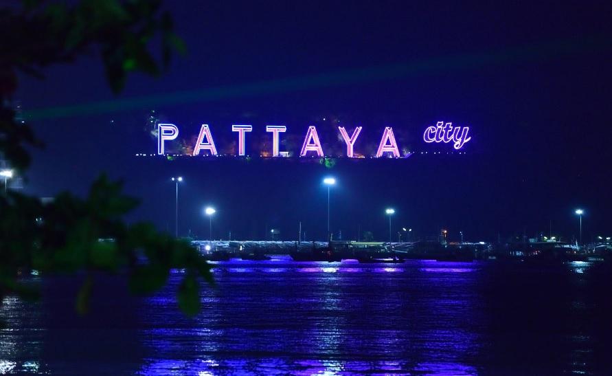 """Pattaya – """"thành phố ma quỷ"""""""