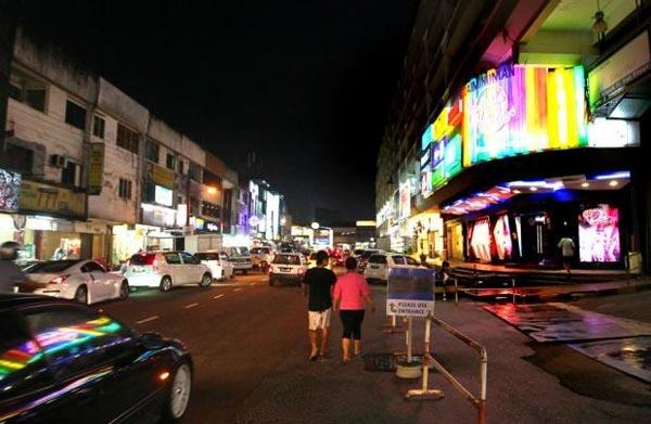 dạo phố về đêm