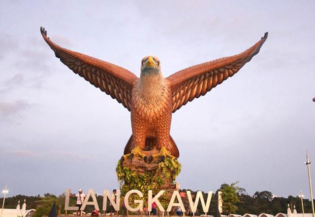 tượng đại bàng tại đảo Langkawi