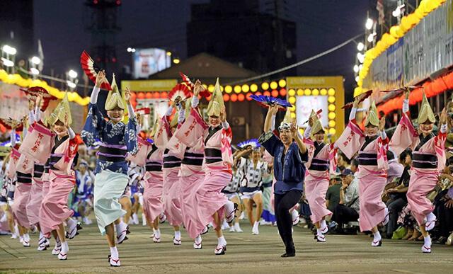 Trong lễ hội Awa Odori Matsur, người Nhật sẽ sử dụng rất nhiều nhạc cụ truyền thống