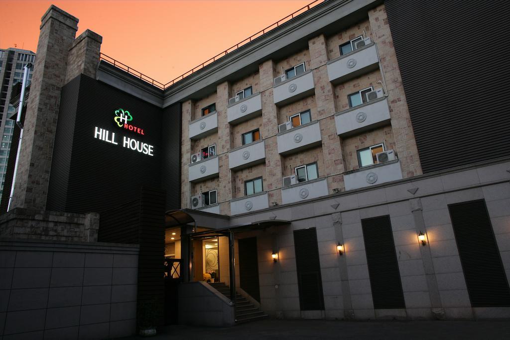 Khách sạn Hill House Myeongdong