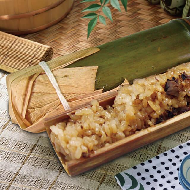 Cơm ống tre có hương vị rất giống cơm lam của người Việt
