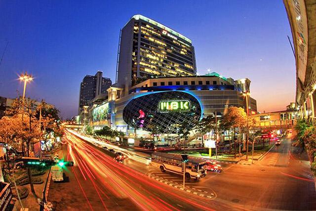 Bangkok nổi tiếng với rất nhiều trung tâm mua sắm từ bình dân cho đến cao cấp