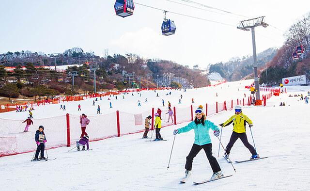 Trượt tuyết khi du lịch hàn quốc tự túc sẽ là một trải nghiệm khó quên