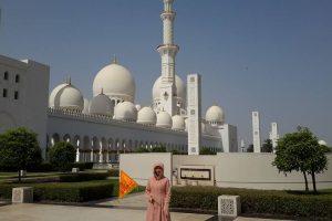 THÁNH ĐƯỜNG SHEIKH ZAYED DUBAI CÓ GÌ ĐẶC BIỆT?