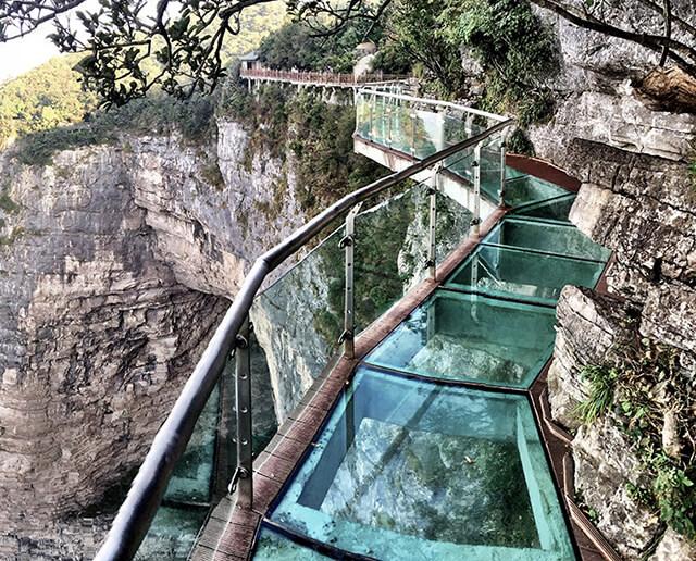 Skywalk ở Thiên Môn Sơn sẽ cho bạn một trải nghiệm không thể nào quên