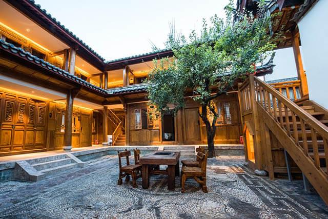 Kiến trúc của Hostel Free Life Inn được xây dựng theo phong cách của người Nạp Tây, trông rất xinh xắn