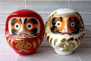 Nhớ mua búp bê Daruma khi du lịch Nhật Bản nhé!