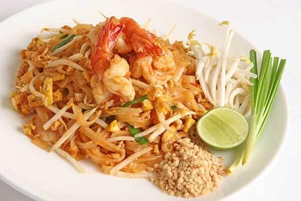 Món Pad Thái ở Thái Lan