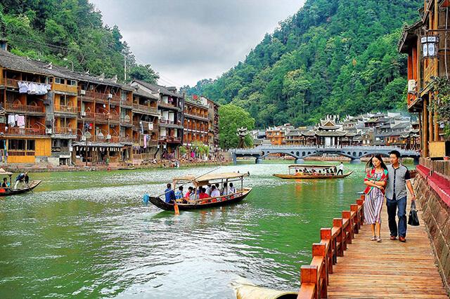 Sắc thiên thanh của sông Đà Giang