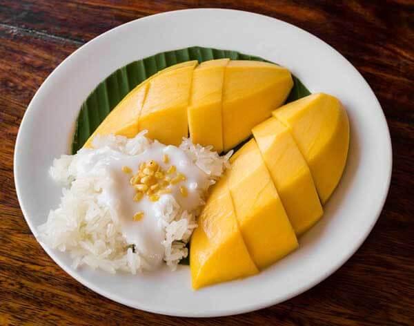 Thưởng thức xôi xoài khi du lịch Thái Lan