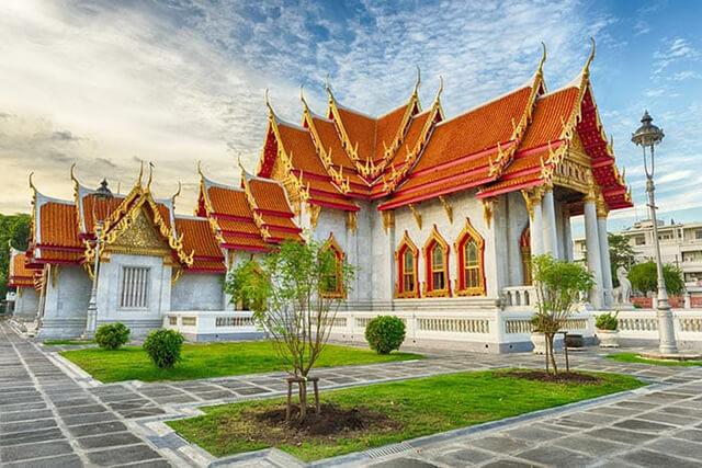 Ghé thăm chùa Cẩm Thạch trong tour du lịch Thái Lan 4 ngày 3 đêm