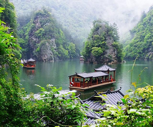 Vẻ đẹp mỹ lệ của Hồ Bảo Phong