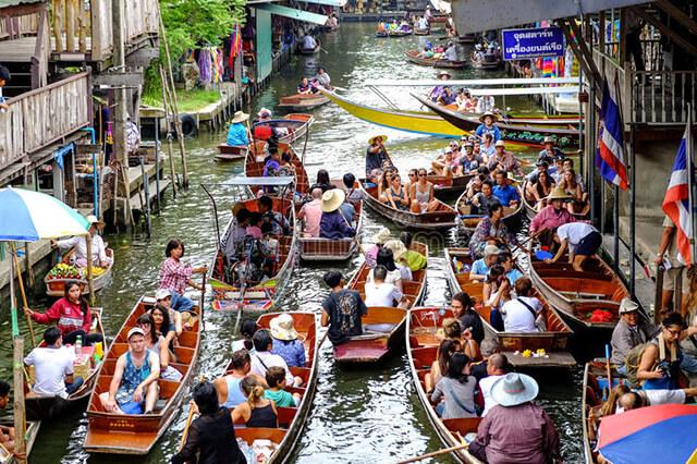 Chợ nổi 4 mùa ở Pattaya