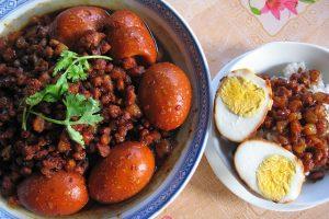 Du khách đi du lịch Đài Loan có thể dễ dàng tìm kiếm những cửa hàng, quán ăn có phục vụ cơm thịt kho tàu