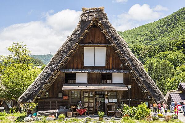 Kiến trúc Gassho-zukuri của Nhật Bản