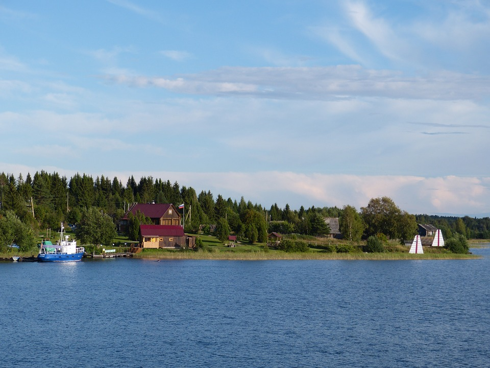 Hồ nước ngọt Ladoga ở Nga