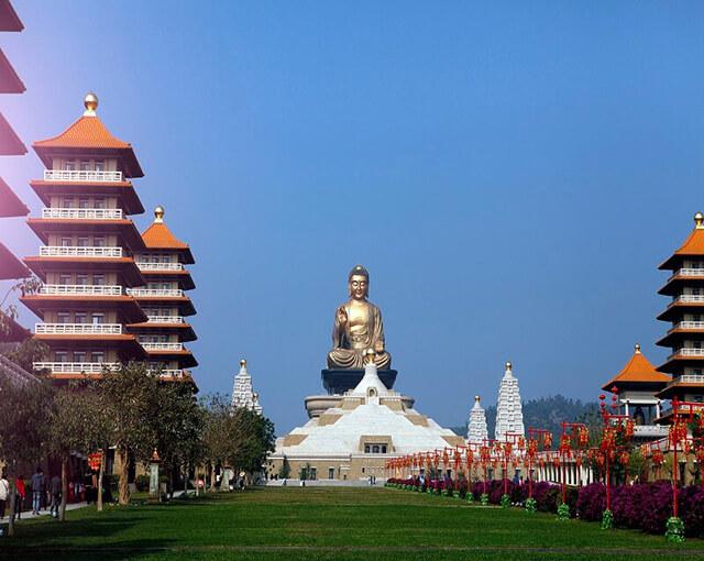 Nhiều người đến với Phật Quang Sơn trong tour du lịch Đài Loan vì muốn có được cảm giác thanh tịnh, tạm quên mọi âu lo, bon chen
