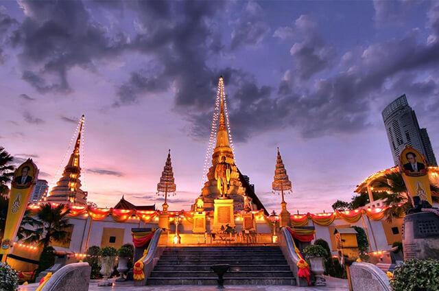 Chùa Thuyền được xây dựng và đặt tên để kỉ niệm chiến tích bang giao của Thái Lan với các nước láng giềng vào thời vua Rama III