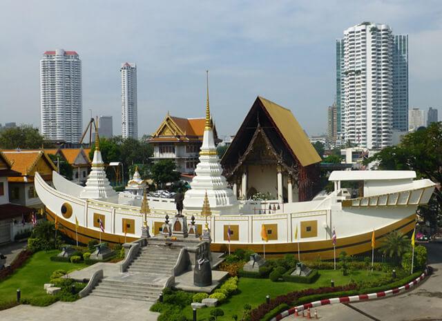 Chùa Wat Yannawa là một điểm đặc biệt thú vị trong tour du lịch Thái Lan