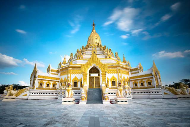 Phật giáo là quốc giáo của Thái Lan nên có nhiều kiêng kị cần chú ý khi tiếp xúc với các nhà sư