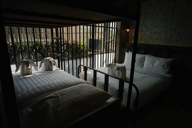 Du khách trong tour du lịch Thái Lan chỉ phải trả một mức giá khá mềm nếu muốn trải nghiệm tại khách sạn nhà tù
