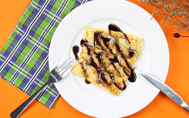 Bánh chuối nằm trong danh sách những món phải ăn khi trong tour Thái Lan nhé.