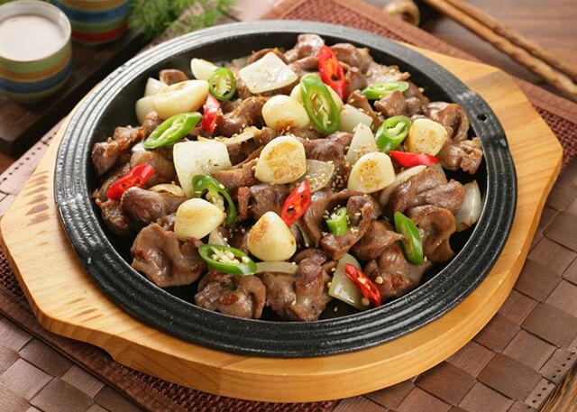Dalkddongjib thực chất là được chế biến từ hậu môn của gà