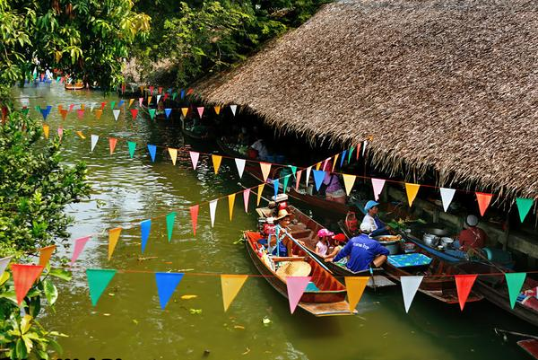 Chợ nổi KhLong Lat Mayom Thái Lan