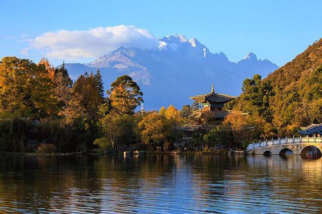 Ngắm vẻ đẹp mùa thu Lệ Giang trong tour du lịch Trung Quốc
