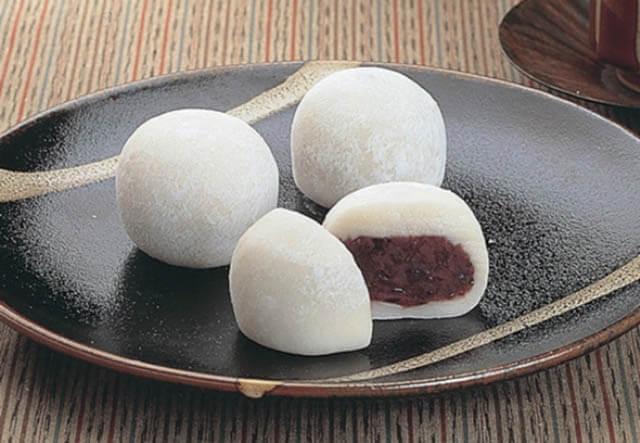 Chỉ từ hỗn hợp gạo nếp quen thuộc người Nhật đã khéo léo chế biến thành những chiếc bánh Mochi vô cùng xinh đẹp