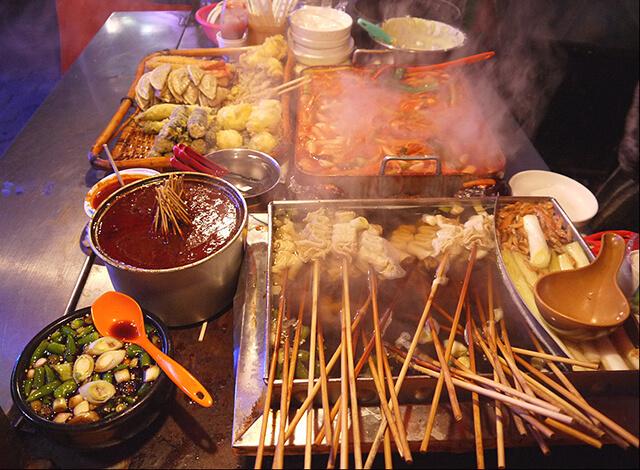 Du lịch Hàn Quốc là cơ hội tuyệt vời nhất để thưởng thức các món ăn đường phố hấp dẫn của xứ sở Kim chi