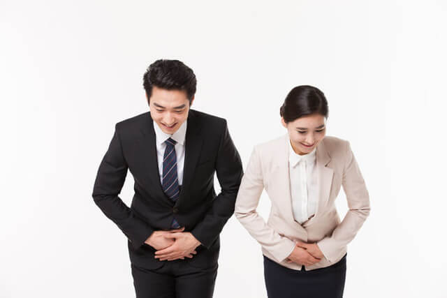 Cách chào hỏi của người Hàn rất tôn nghiêm và đầy sự tôn kính, đặc biệt là với người lớn tuổi hoặc có địa vị cao hơn