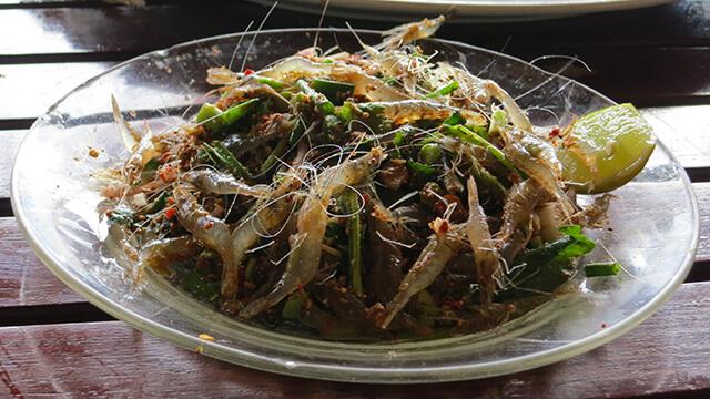 Thử sức với món goong ten sẽ đem lại cho bạn một trải nghiệm không thể nào quên trong tour du lịch Thái Lan