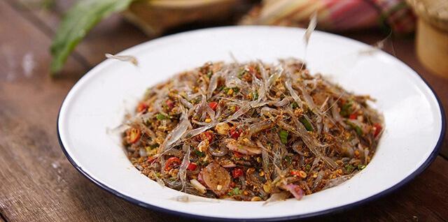Bên cạnh những món ăn thơm ngon, hấp dẫn thì tour du lịch Thái Lan còn hấp dẫn du khách bằng những món ăn độc và lạ