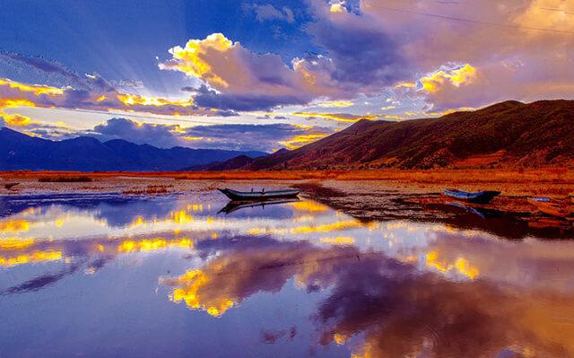 Cảnh sắc say đắm lòng người của hồ Lugu lúc hoàng hôn