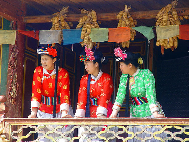 Trong tour le giang shangrila du khách sẽ được khám phá vô vàn điều thú vị về tộc người Mosuo