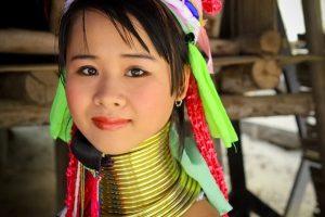"""Ngôi làng du lịch """"cổ dài"""" Long Neck Thái Lan"""