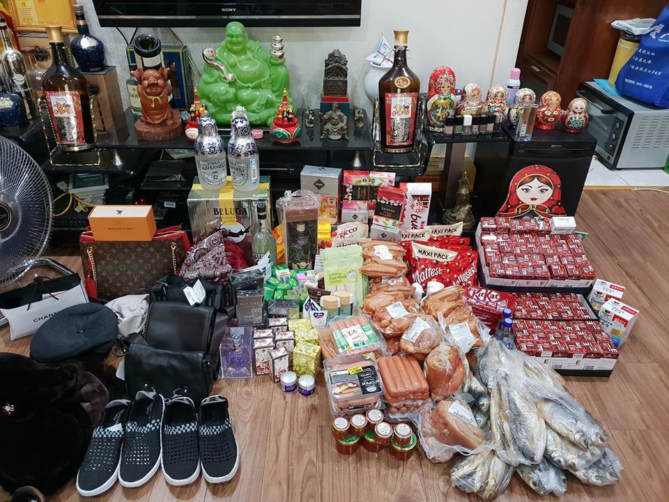 những sản phẩm mua về từ chuyến du lịch Nga miễn phí