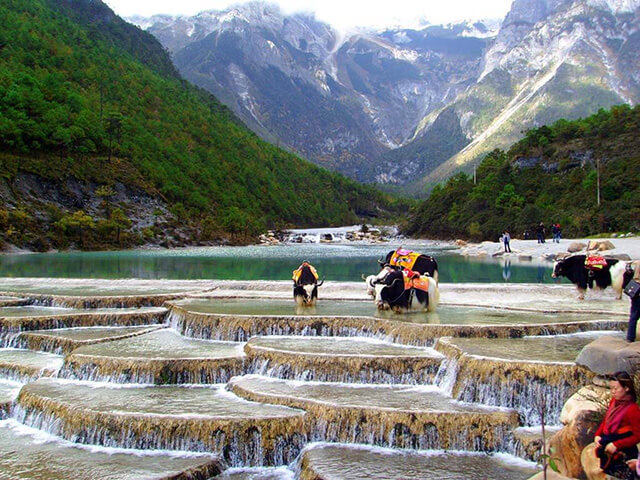 Cuộc sống của một bộ phận người Naxi ở Lệ Giang gắn với thung lũng Trăng Xanh