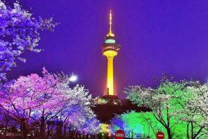 Ngắm tháp truyền hình N Seoul Tower khi đi du lịch Hàn Quốc tự túc