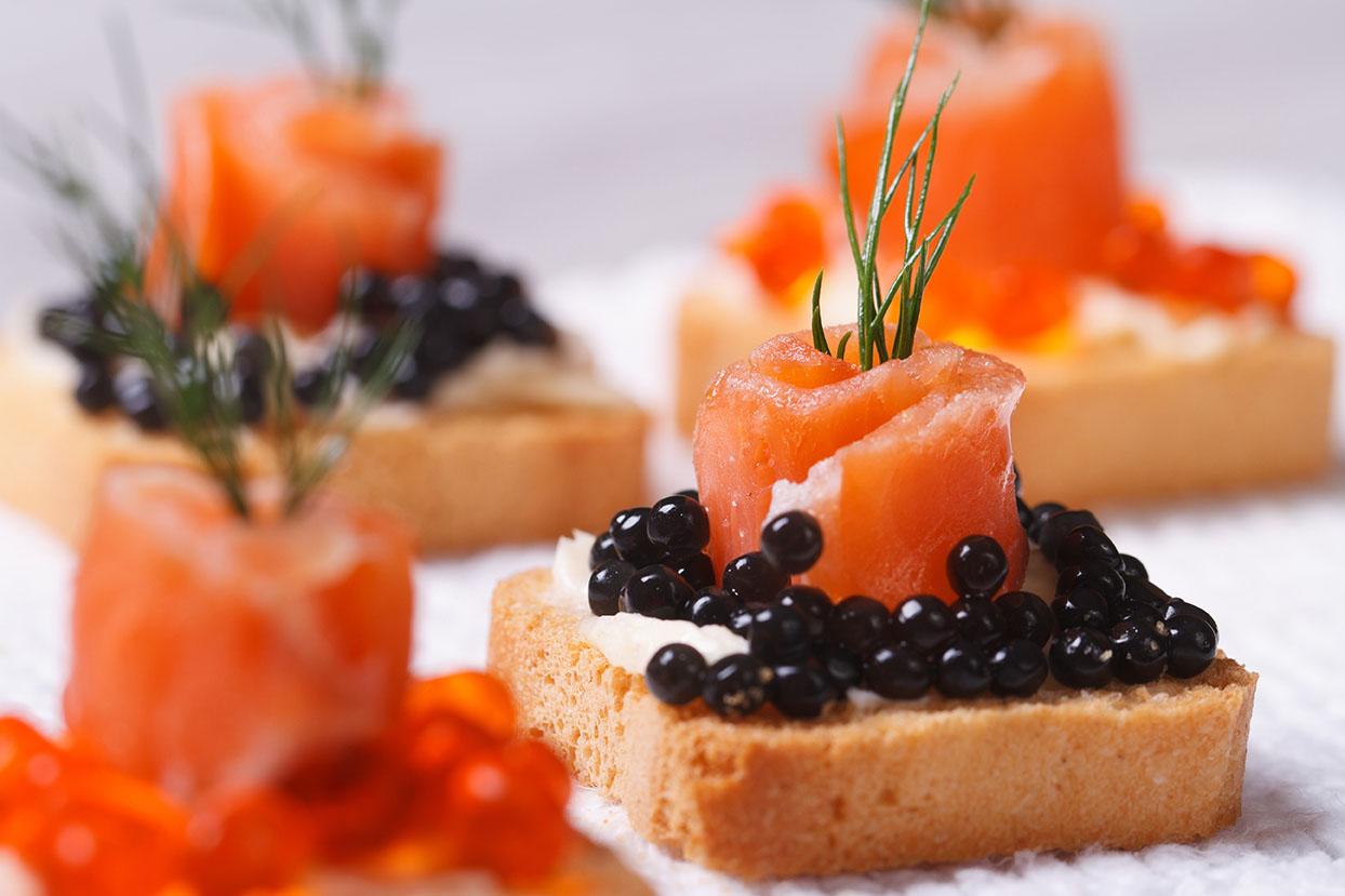 Món cá hồi và trứng cá hồi – món ăn truyền thống ở Nga