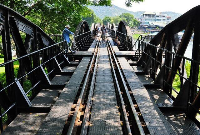 Để xây dựng cầu sông Kwai thì đã có khoảng 80000 người thiệt mạng