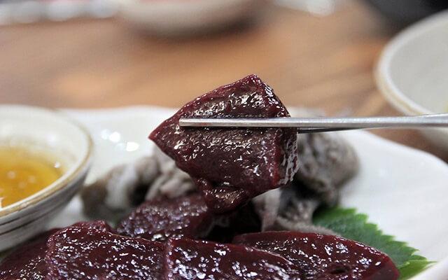Nếu có cơ hội Du lịch Hàn Quốc bạn có dám thử món pudding máu độc nhất vô nhị này không