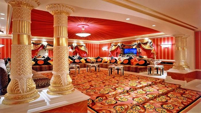 Bên trong khách sạn Burj Al Arab Dubai